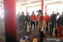 Pemkab Landak lakukan penyemprotan desinfektan di fasilitas umum