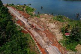 Warga Sungai Rengas minta Gubernur Kalbar perbaiki jalan Tanggul Laut