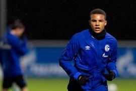 Liverpool siapkan strategi rekrut bek belia dari Schalke