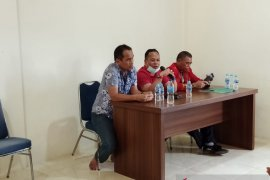 Dewan Adat Dayak Bengkayang tunda ritual tutup kampung