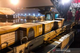 Pesawat Hercules pengangkut alkes COVID-19 tiba di Halim Perdanakusuma