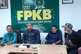 Semprotkan disinfektan secara massal, Fraksi PKB DPRD Riau nyatakan perangi corona