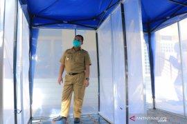 Pemkot Tangerang uji coba bilik disinfektan putus penyebaran virus COVID-19