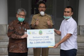 Bank BJB bantu Rp2 miliar ke untuk perangi wabah COVID-19
