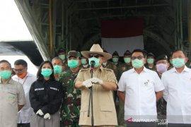 Prabowo kagum dengan  dokter rumah sakit tangani pasien COVID-19
