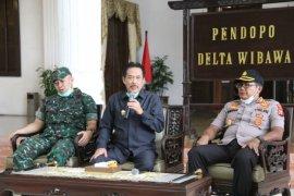 Pemkab Sidoarjo bersama TNI/Polri tertibkan tempat keramaian