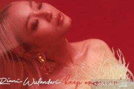 """Rinni Wulandari rilis lagu single keduanya """"Keep On Movin"""""""