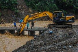 Pemprov Banten targetkan jembatan discover  limpasan Muhara rampung pekan depan
