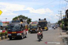 Polisi semprotkan 3.000 liter disinfektan di Mukomuko