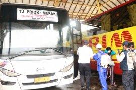 Cegah penyebaran COVID-19,  Terminal Bus Pakupatan disemprot disinfektan