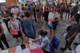 Imigrasi buka layanan keimigrasian untuk WNA