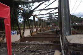 Jembatan gantung di Desa Muhara, Lebak Gedong, kembali hanyut