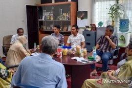 Masyarakat Juk Ayaq curhat masalah pembangunan desa
