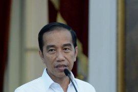 Presiden Jokowi akan bagikan kartu sembako untuk respons dampak COVID-19