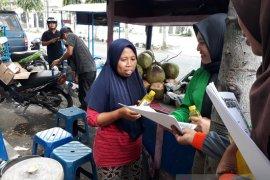 Satpol PP Kediri bagikan ratusan sabun cair cegah corona