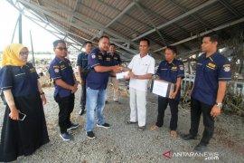 AMPI Batola salurkan bantuan korban kebakaran Desa Baliuk