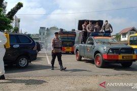 Brimob bubarkan kelompok remaja asik ngumpul di mall Jambi