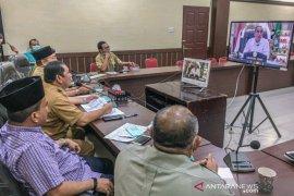 Wali Kota Padangsidimpuan video conference bersama Gubernur Sumut penanganan COVID-19