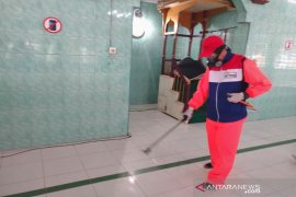 Pertamina semprot desinfektan di 30 titik fasilitas umum di Sumut