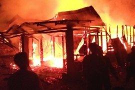 Nenek dan cucu di Simalungun tewas terbakar
