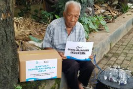 Sekolah Relawan bantu Bantuan Keberlangsungan hidup pedagang dan ojol