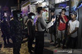 Polda Metro Jaya gencar bubarkan kerumunan