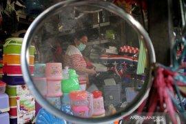 Pembatasan waktu operasional pasar tradisional di Makassar Page 2 Small