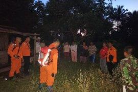 Tim SAR cari lansia yang hilang di perkebunan