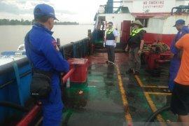 Polairud Baharkam Polri amankan tanker pengangkut BBM diduga illegal