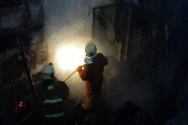 Mesin produksi besi meledak, dua karyawan alami luka bakar