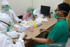 320 tenaga medis dan 72 PDP di Bogor jalani tes cepat COVID-19
