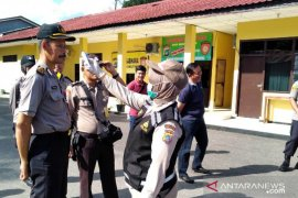 Polres Belitung cek suhu tubuh anggota antisipasi corona