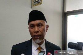 Wali Kota Padang sumbangkan gaji enam bulan untuk penanganan  COVID-19