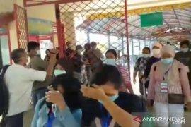 Masyarakat Kubu Raya diimbau jangan panik terkait pemulangan TKI