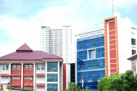 UM Surabaya beri nilai untuk mahasiswa relawan COVID-19