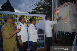 21 program listrik desa di Sintang tahun ini