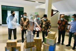 Pemkot Singkawang terima bantuan APD dari pengusaha Kalbar
