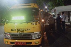 Pemprov DKI siagakan 50 bus antar-jemput tenaga medis COVID-19