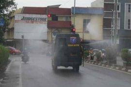 Pangdam XII/Tanjungpura tinjau langsung penyemprotan disinfektan di Pontianak