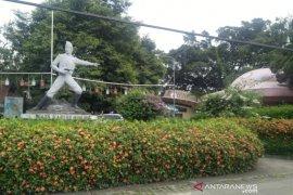 Pembongkaran Taman Topi di Kota Bogor ditunda