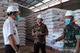 Stok gula pasir di gudang Bulog Belitung kosong