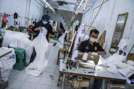 Jokowi minta perizinan tidak hambat industri alat kesehatan