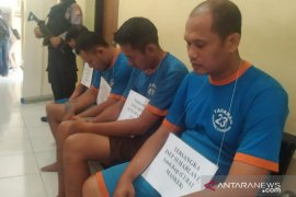Curi ratusan kotak masker, tiga pegawai RSUD di Cianjur ditangkap polisi