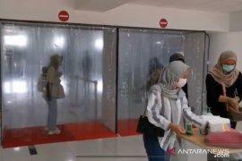 """Bandara Jambi tambah """"walk through disinfection"""" di terminal"""