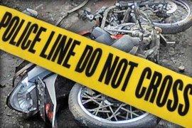 Pengendera sepeda motor tewas tabrak pembatas jalan