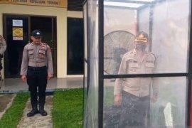 Polres Nagan Raya sediakan desinfektan otomatis bagi pengunjung
