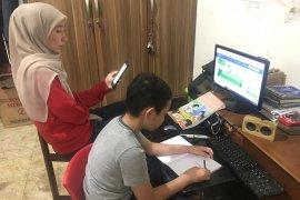 Masa belajar di rumah siswa Kota Bandung  dipertimbangkan diperpanjang