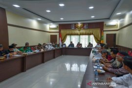 Pemkot Padangsidimpuan bersama Forkopimda mengajak tokoh agama cegah penyebaran COVID-19