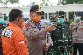 """Forkopimda Jatim tinjau penerapan """"physical distancing"""" di tiga perumahan Surabaya"""
