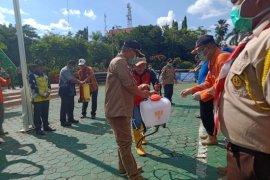 Tim disinfektan Tabalong semprot fasilitas umum